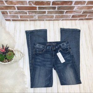 NWT Delias Bailey mid rise distressed jeans 3/4